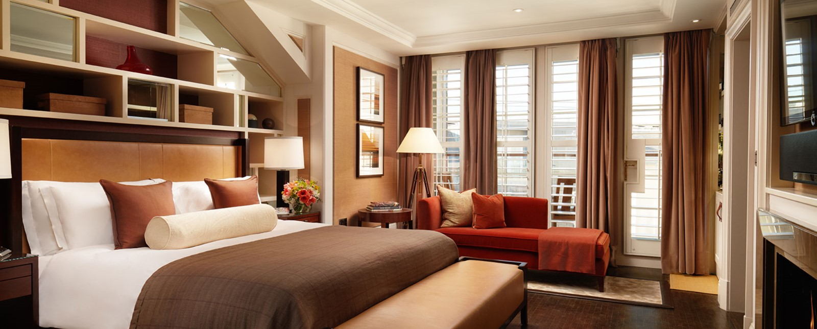 corinthia london explorers bedroom