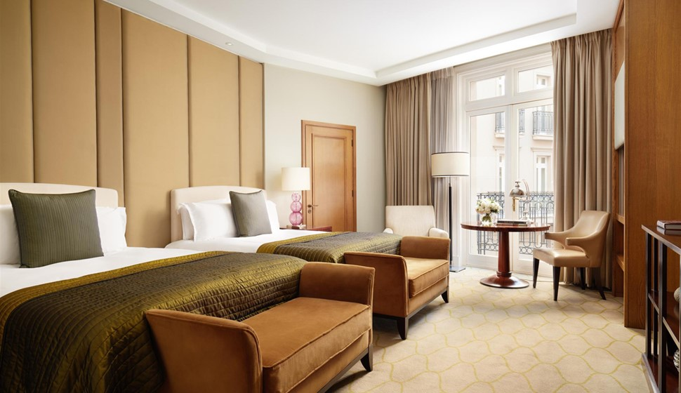 corinthia london family room