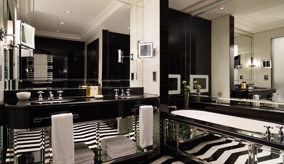 Corinthia London Actor's penthouse bathroom