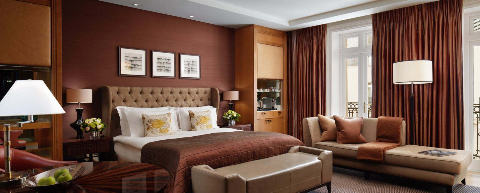 corinthia london deluxe junior suite