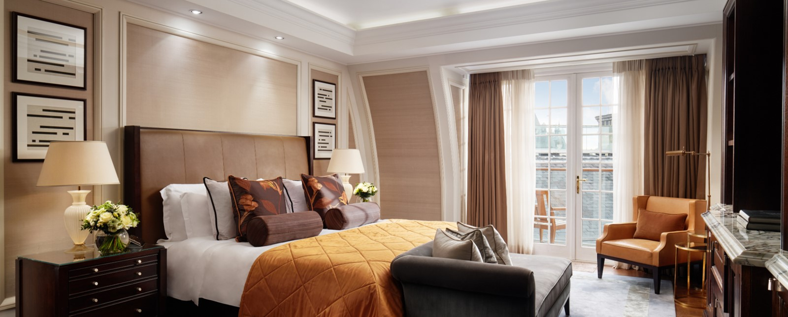 corinthia london writers penthouse bedroom