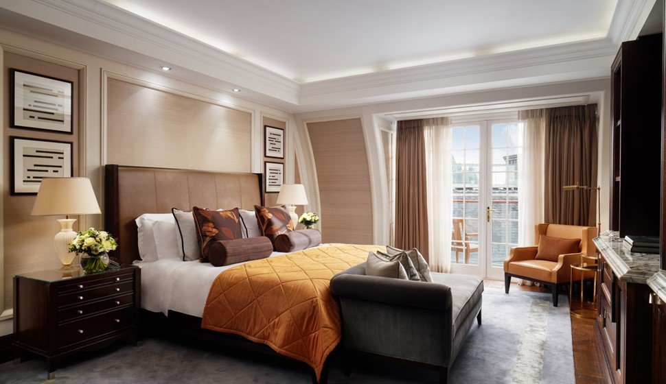 Corinthia London Writer's penthouse bedroom
