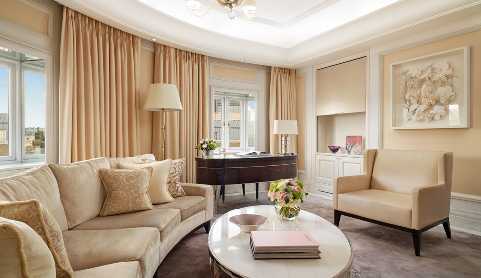 Corinthia London Hamilton penthouse living room
