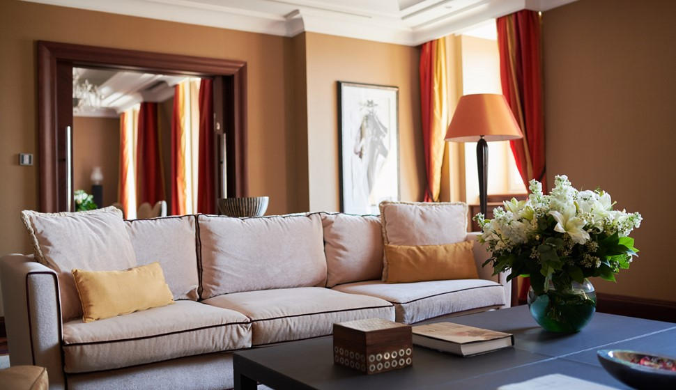 Corinthia Budapest Presidential Suite living room