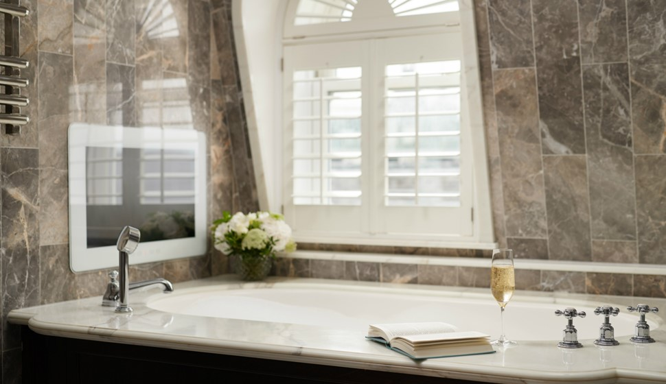 Corinthia London Writer's penthouse bathroom