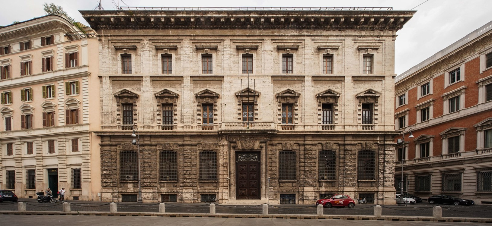 corinthia rome facade