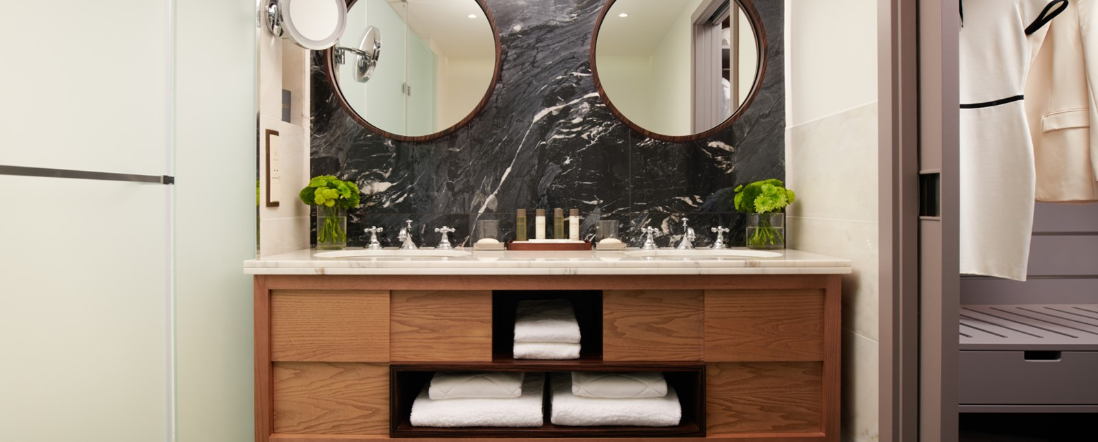 corinthia lisbon executive suite bathroom
